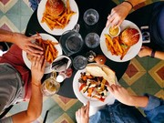 راهکارهای طلایی برای پیشگیری از مسمومیت غذایی در سفر