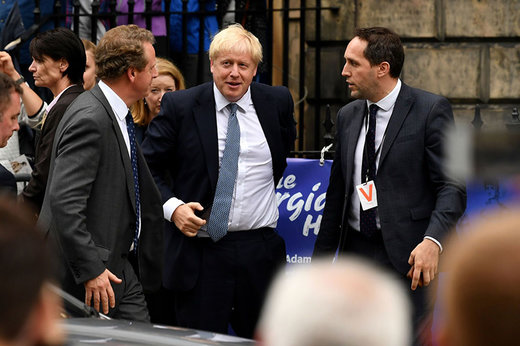 فیلم | نخست وزیر جدید انگلیس هو شد