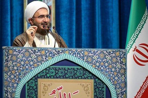 انتقاد امام جمعه تهران از تاخیر ۴ ساله در اصلاح قیمت بنزین/ رهبری ماهها قبل گفتند فتنه ۹۸ در راه است