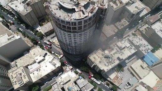 فاجعه پلاسکو شیراز/ هتل آسمان ۱۱ ساعت است میسوزد