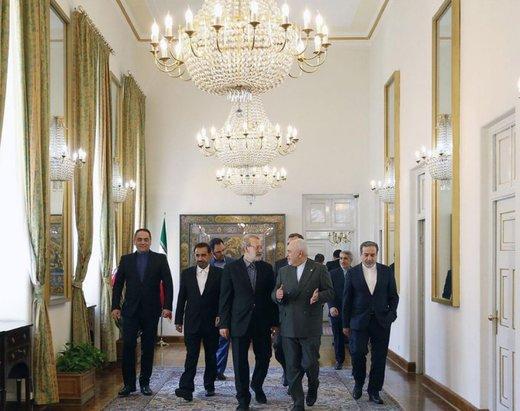 عکس| لاریجانی به دیدار ظریف رفت /حمایت از وزیرخارجه بعد از تحریم از سوی آمریکا