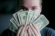 چرا زنان در مدیریت مالی موفقتر هستند؟