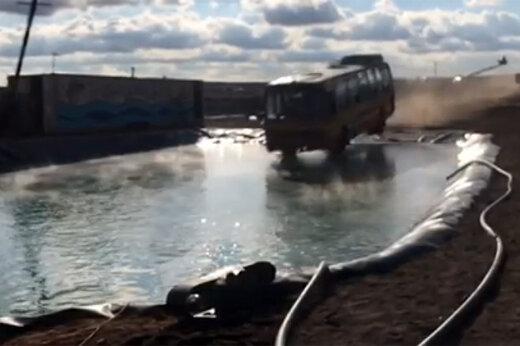 فیلم | پشت صحنه بدلکاری ارشا اقدسی در فیلم «قسم» و سقوطش با اتوبوس