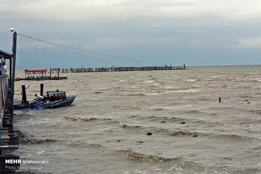 دریای خزر و خلیج فارس مواج میشود