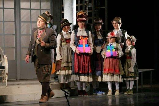 کنسرت تئاتر «اشکها و لبخندها» برای سومینبار تمدید شد