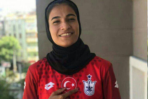 دیدار لژیونر زن فوتبال ایران با اسکوچیچ/عکس