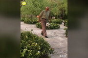 فیلم | پیرمرد ایرانی که سوژه شبکههای اجتماعی دنیا شد!