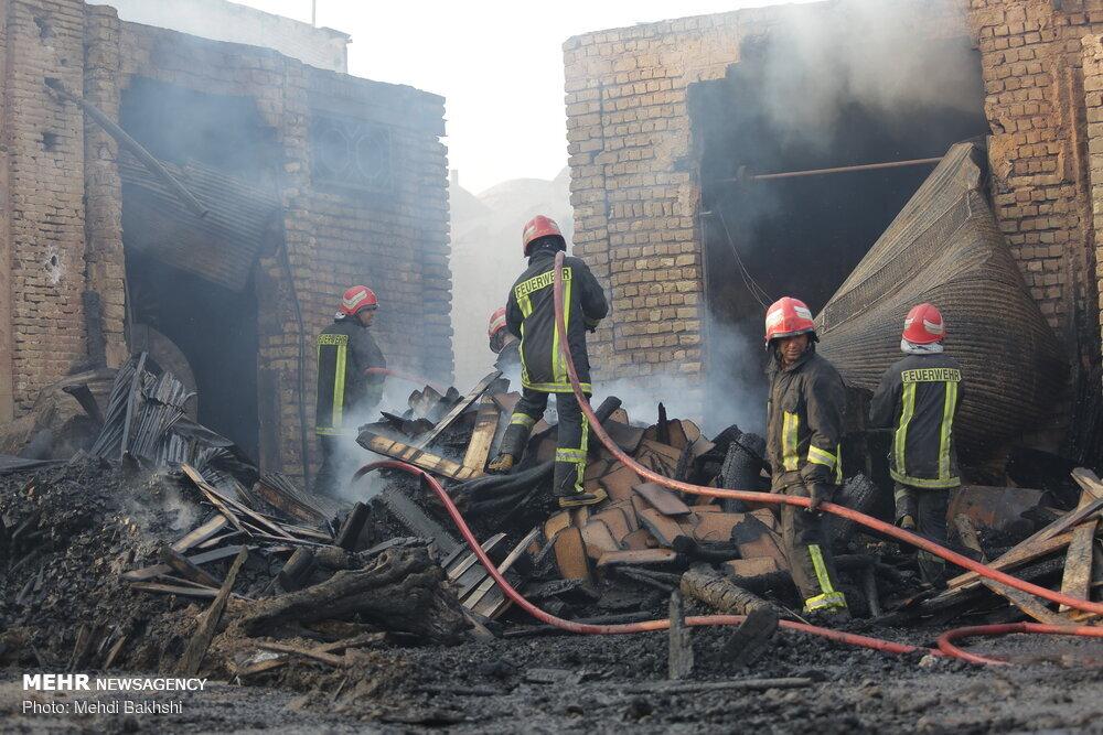 آتش سوزی در بازار کهنه قم