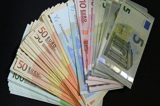 یورو در نیمه کانال ۱۲ هزار تومان/ تلاش ناکام برای بالا رفتن دلار