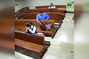 فیلم | سرقت از کیف نفر جلویی در کلیسا حین اعتراف!