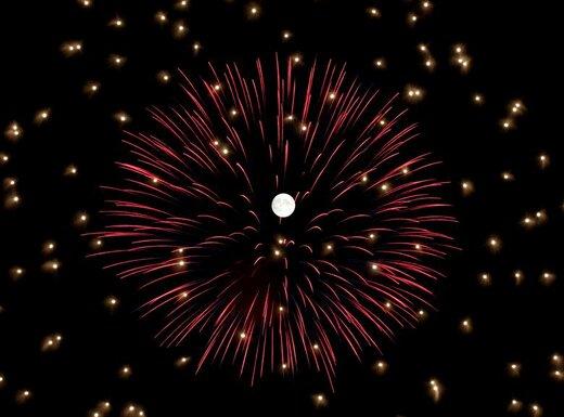 آتش بازی در یک جشن در شهر موستا مالت