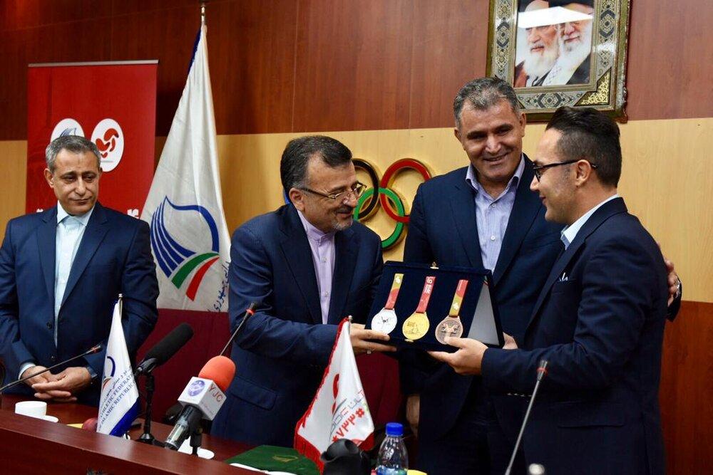 حامد منصوری مدیرعامل شرکت آسان پرداخت