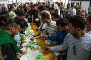 تصاویر | توزیع کیک ۸۰ کیلویی به مناسبت عید ولایت در اهواز