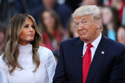 فیلم | ترامپ حکم اخراج خود و ملانیا از آمریکا را امضا کرد!