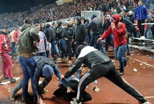 فیلم | ۳ کشته و ۷ مصدوم در درگیری هواداران فوتبال هندوراس!
