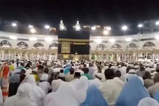 فیلم   لحظه سلام نماز صبح در جوار کعبه و پرواز پرندگان بر فراز خانه خدا