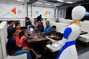 تصاویر | گارسونهای این رستوران ربات هستند