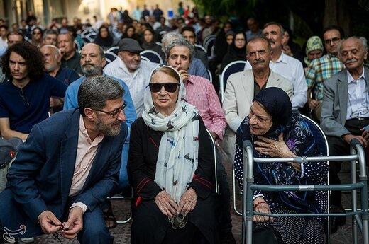 صدیقه کیانفر و حمید شاه آبادی معاون صدا در اختتامیه جشنواره رادیویی نوایش