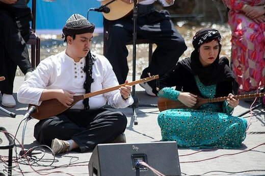 اولین جشنواره میوه های بهشتی در کرمانشاه