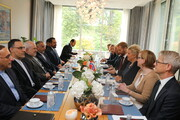 Iran's FM meets Norway PM in Oslo
