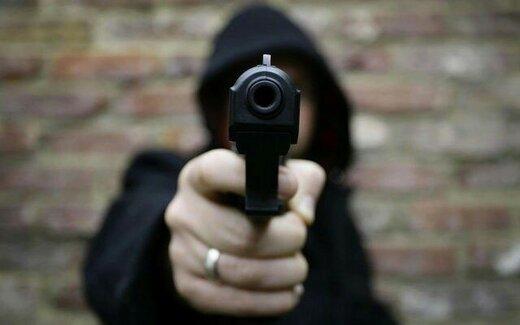 قتل ️جوان ۳۷ ساله با پنج گلوله دوست سابق