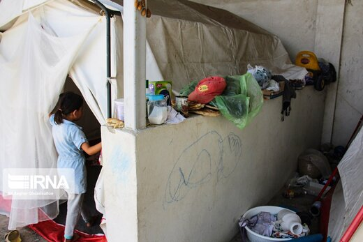 چادرنشینی سیل زدگان در گنبدکاووس پس از گذشت 5 ماه