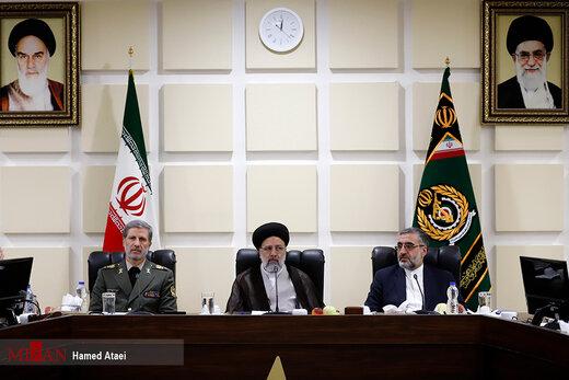 بازدید رئیس قوه قضائیه از نمایشگاه صنایع دفاعی