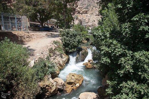 آب تنی در سراب شالان کرمانشاه