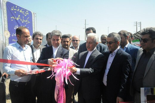 وزیر علوم، نیروگاه خورشیدی ۴۰۰ کیلوواتی دانشگاه ارومیه را افتتاح کرد