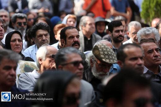 مراسم تشییع پیکر داریوش اسدزاده