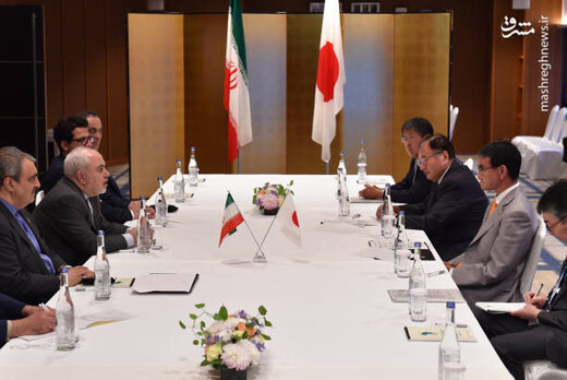 Zarif confers with Japanese counterpart on bilateral, regional issues
