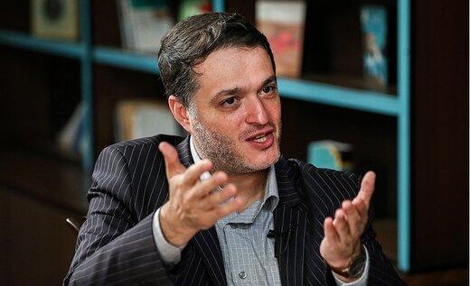 انتقادات تند قوچانی از حملات سازمان یافته اصلاحطلبان به کارگزاران/شکل تازهای از دیکتاتوری اقلیت است/باید اصلاحطلبی را دوباره بر «پا» کرد