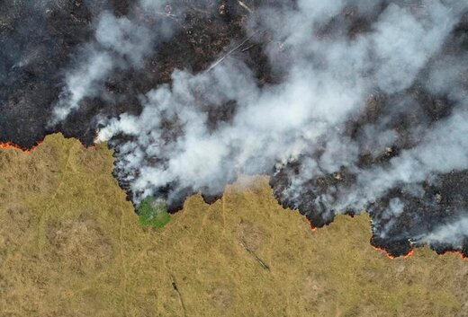 افزایش دود ناشی از آتش سوزی در جنگلهای آمازون در پورتو ولیو برزیل