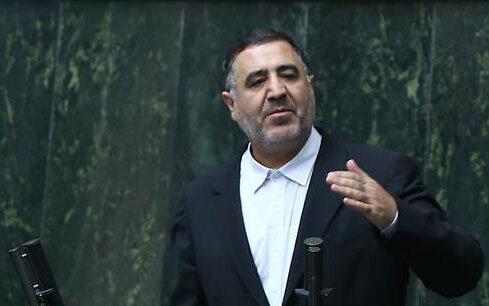 انتقاد تند به حسین شریعتمداری از تریبون مجلس/چرا میگویید رئیسی، ذوالقرنین است/قبلا هم میگفتید احمدینژاد یکی از ۳۱۳ یار امام زمان است