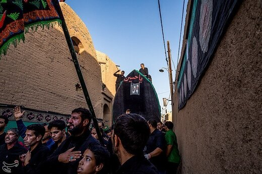 آیین نخل برداری در میبد یزد