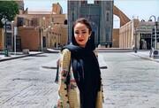 تصویر بهاره افشاری در افتتاحیه نمایش رامبد جوان