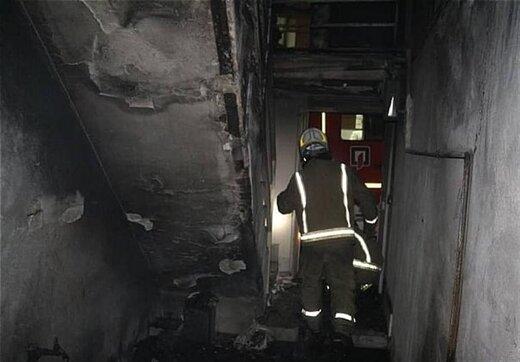 دختر بچهای که برای نجات از آتش از پنجره به بیرون پرتاب شد/عکس