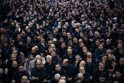دومین شب مراسم عزاداری حضرت اباعبدالله الحسین علیهالسلام در حسینیه امام خمینی(ره)