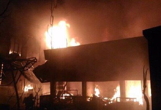 انبار کفش در بازار بزرگ تبریز آتش گرفت/ حضور به موقع آتش نشانی