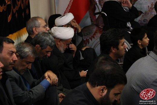 عکس | احمدی نژاد در مراسم شام غریبان حسینیه امام خمینی