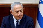 عکس | اقدام عجیب نتانیاهو هنگام مصاحبه تلویزیونی