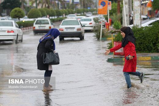 این استانها بارانی هستند/ وزش باد شدید و گرد و خاک در زابل