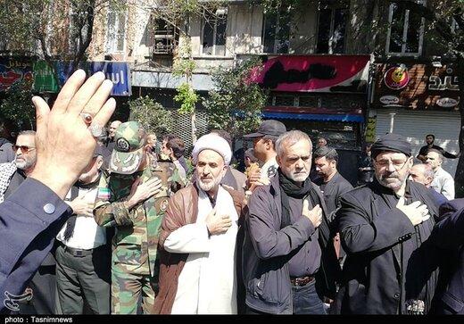 تصویری از مسعود پزشکیان و محسن رضایی در مراسم روز عاشورای تبریز