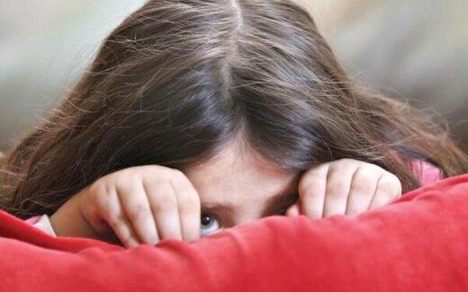 چگونه با کودک خجالتی برخورد کنیم؟