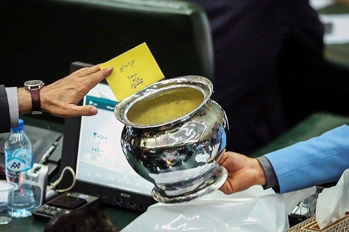 انتقاد تند یک نماینده مجلس از طرح شفافیت آراء /ظرف تو خالی بود /این طرح نمایشی بود