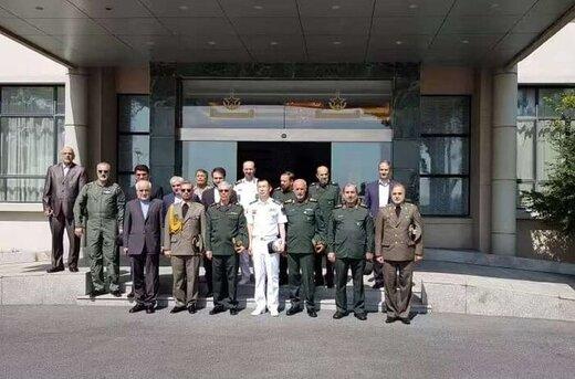 کدام فرماندهان نظامی سرلشکر باقری را در سفر به چین همراهی میکنند؟ +عکس