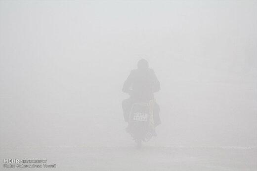 وضعیت جادههای قم و چالوس؛ از مهگرفتگی تا ترافیک