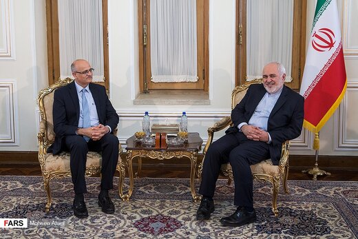 Indian foreign secretary meets with FM Zarif