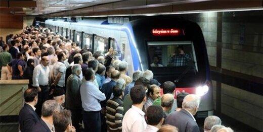 خطر بیخ گوش مسافران مترو/ مراقب ۱۲۰۰ «در» عجیب باشید