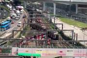 فیلم | خروج قطار مترو از ریل در هنگ کنگ